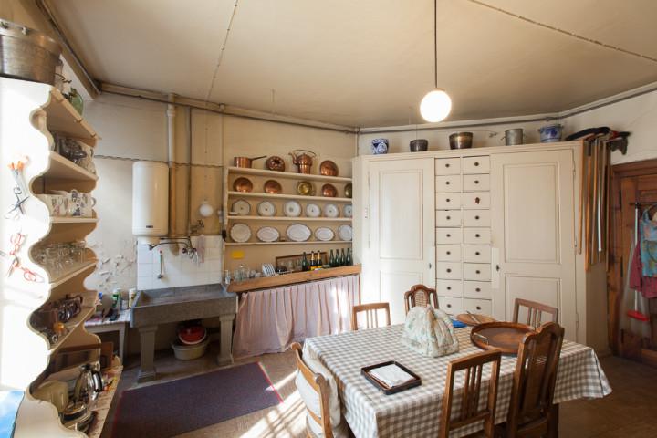 Küche in der Zellweger-Wohnung im zweiten Obergeschoss, 2014 (Foto: schattenwerk.ch